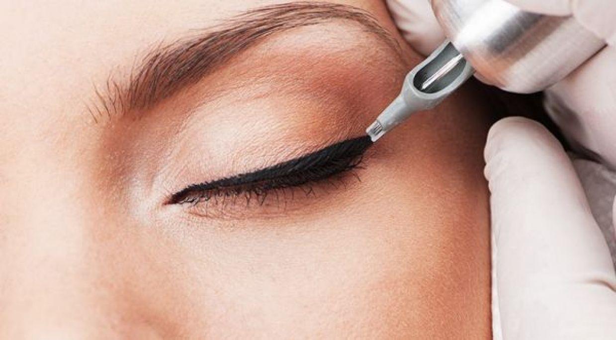 Maquillage permanent (Eye Liner) à Décines-Charpieu (69) Par Hasmik - Estheca