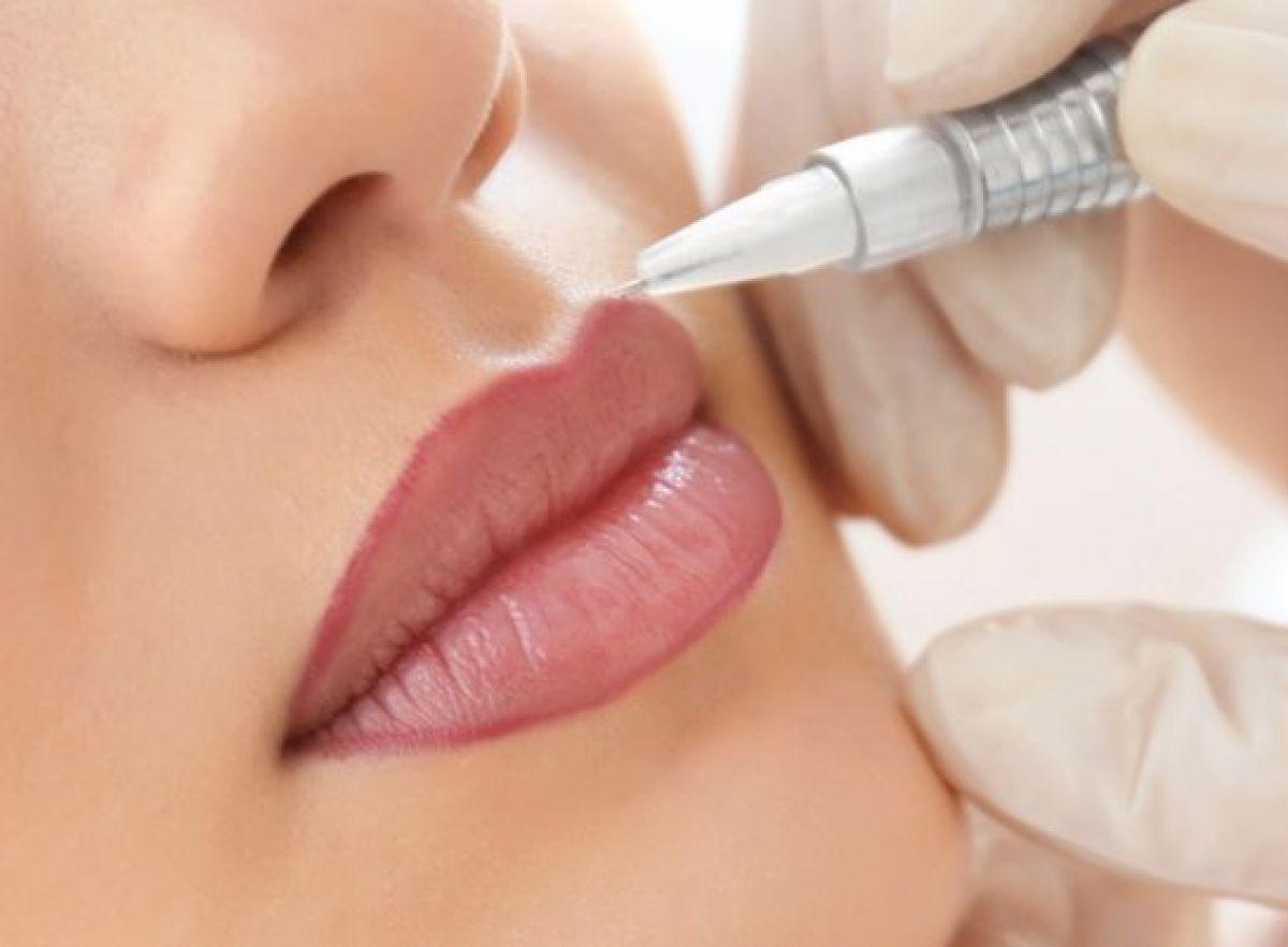 Candy Lips / Maquillage permanent des lèvres à Lyon (69) Par Malika - Estheca