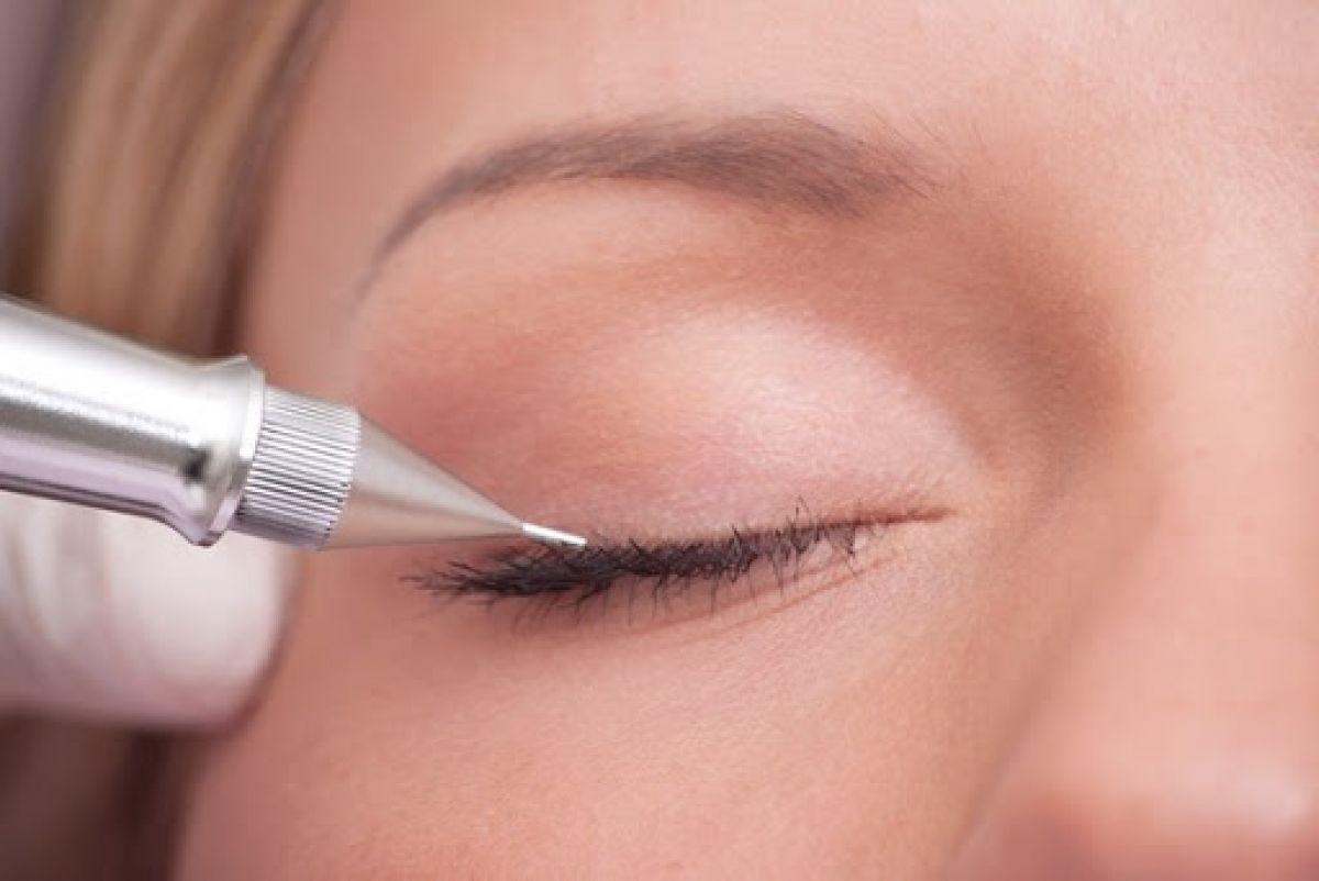 Maquillage permanent (eye liner) à Cruseilles (74) Par Amandine - Estheca