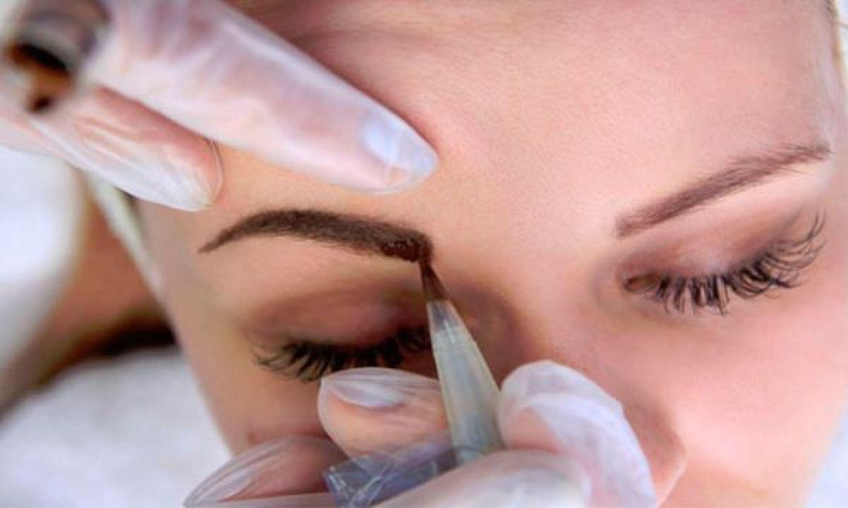 Maquillage permanent sourcils poil a poil à Saint-Aunès (34) Par Charlotte - Estheca