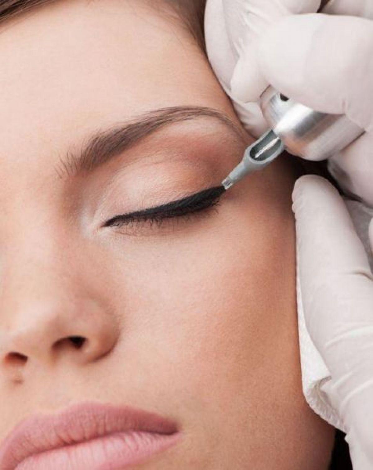 Maquillage permanent (Candy lips lèvres, Eye Liner) à Trouillas (66) Par Jennifer - Estheca