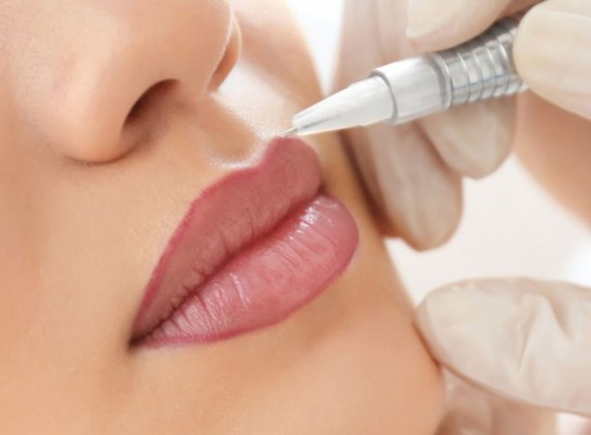 Maquillage permanent (Candy lips lèvres) à Saint-Brieuc (22) Par Mélanie - Estheca